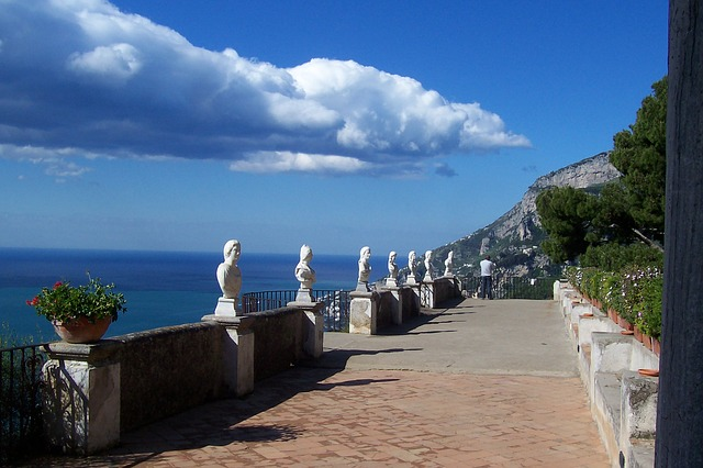 Visit The Amalfi Coast Beaches by Road!