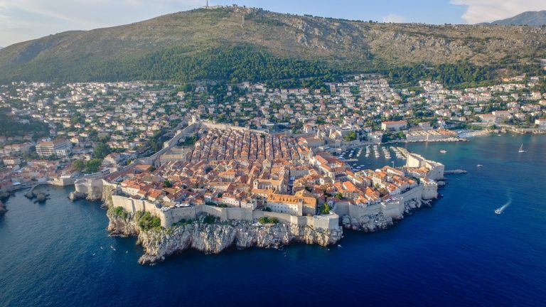 Road trip in Croatia Itinerary – Beaches, Bears, Game of Thrones and more!