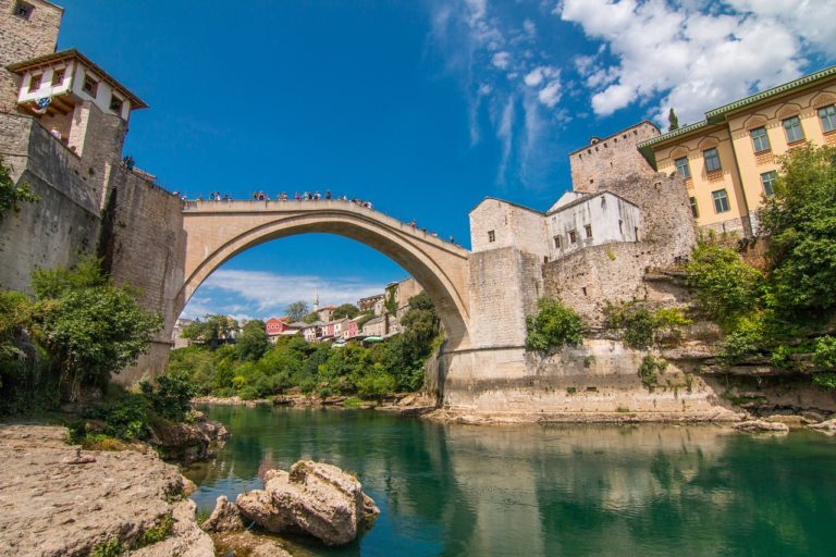 Road trip Bosnia & Herzegovina – Mostar, Blagaj Tekke & The Kravica Waterfalls